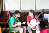 Les deux banjoïstes : Christophe et Michel.