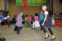 Corinne et Claudine en danse.